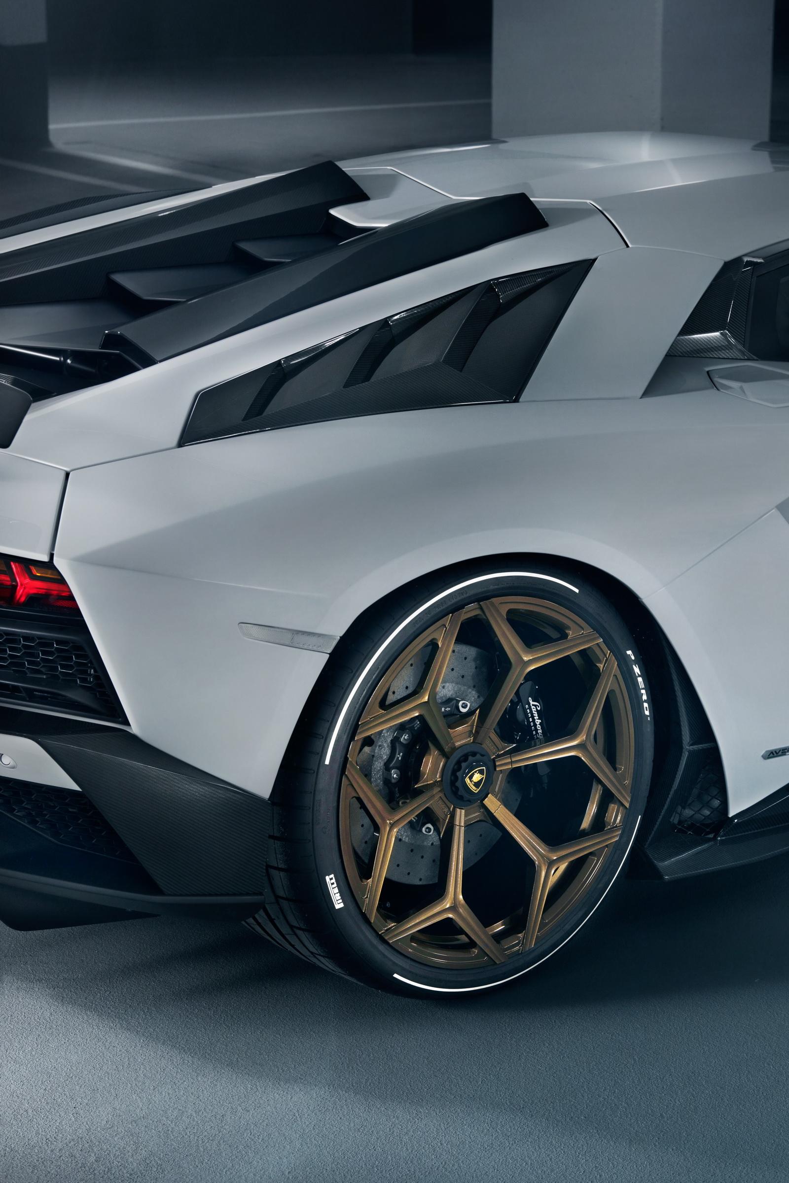 Lamborghini_Aventador_S_by_Novitec_0005