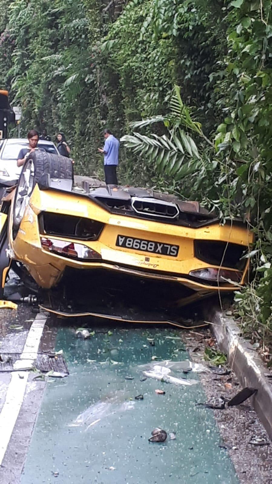 Lamborghini_Aventador_Singapore_Crash_0000