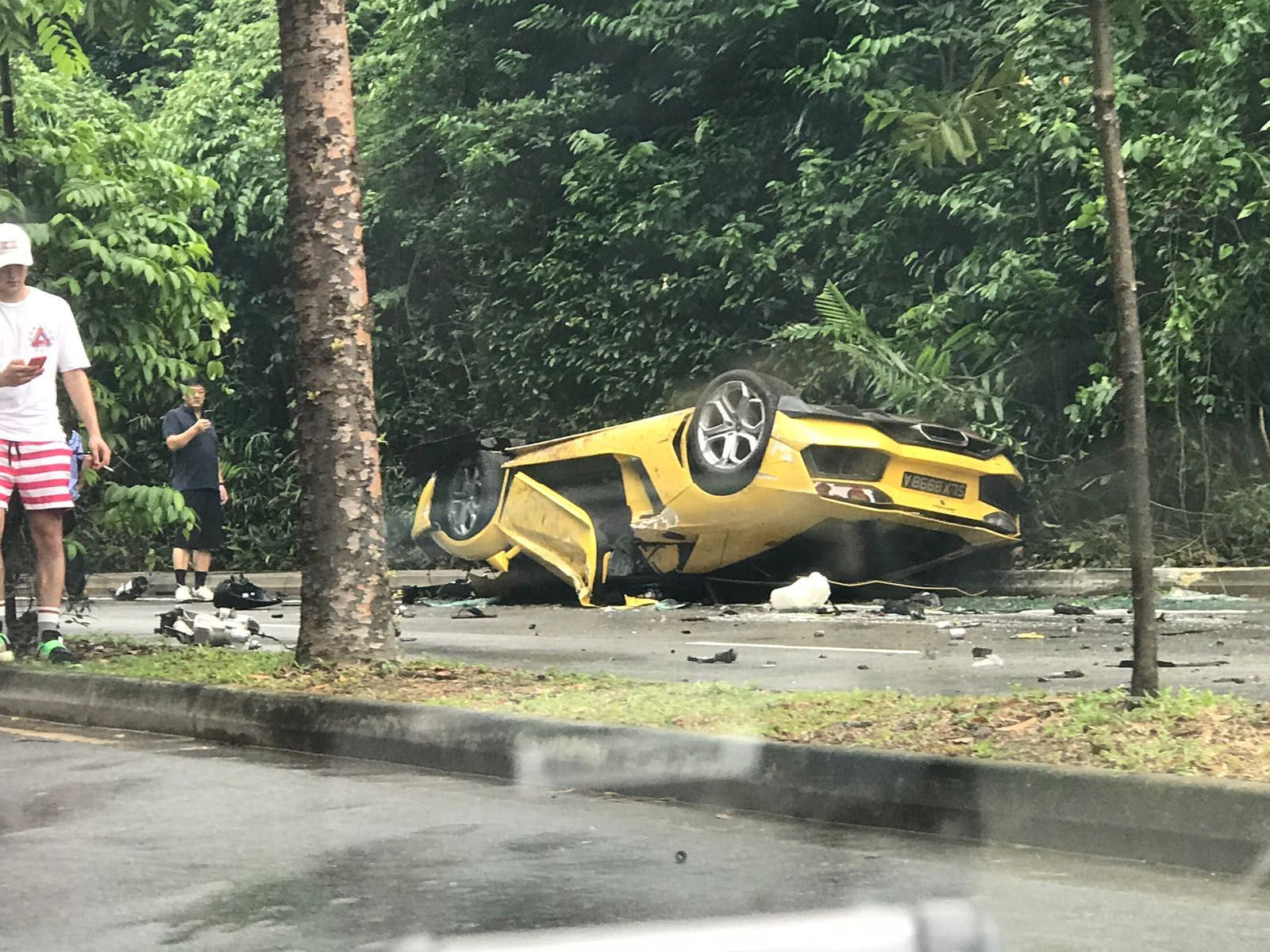 Lamborghini_Aventador_Singapore_Crash_0003