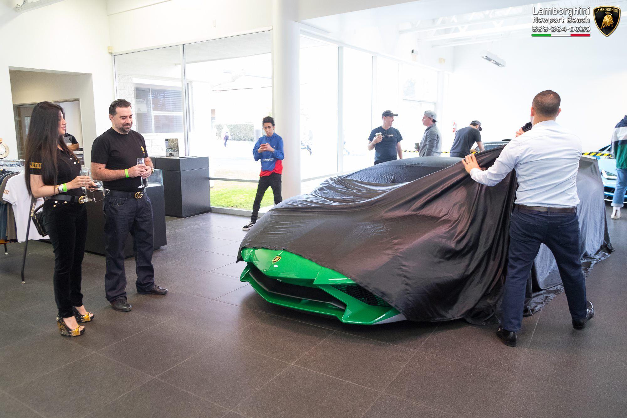 Lamborghini_Aventador_SV_Miura_SV_0000