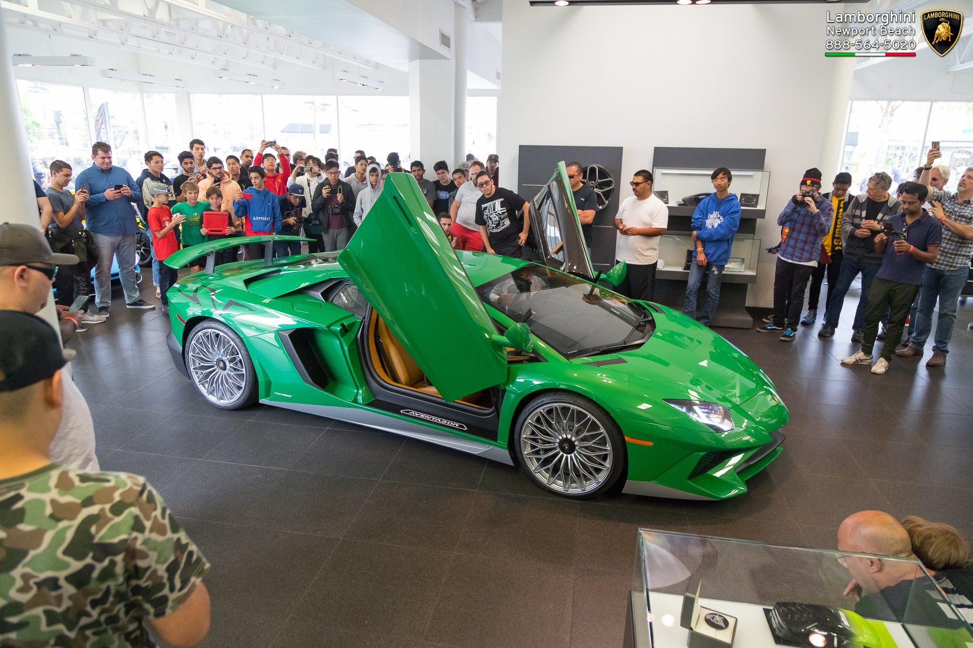 Lamborghini_Aventador_SV_Miura_SV_0002