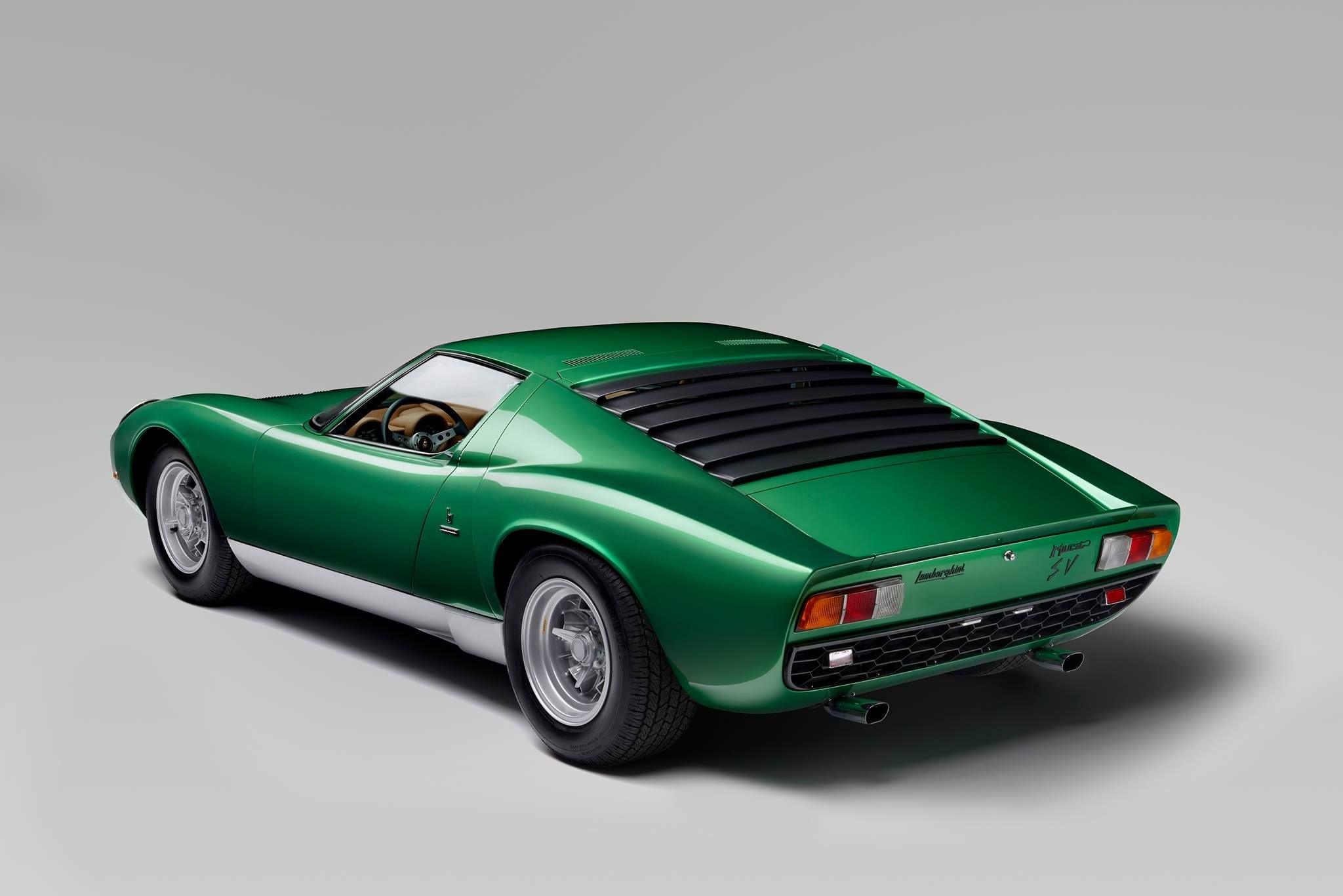 Lamborghini_Aventador_SV_Miura_SV_0010