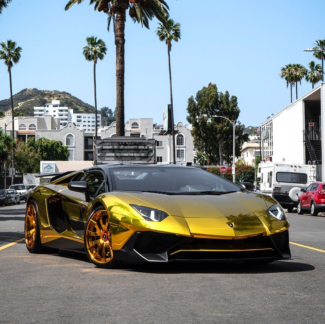 Lamborghini Aventador SV Roadster Chris Brown (2)