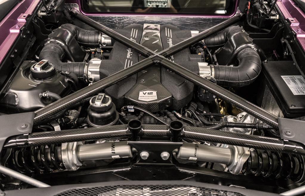 Lamborghini_Aventador_SV_Viola_SE30_0004