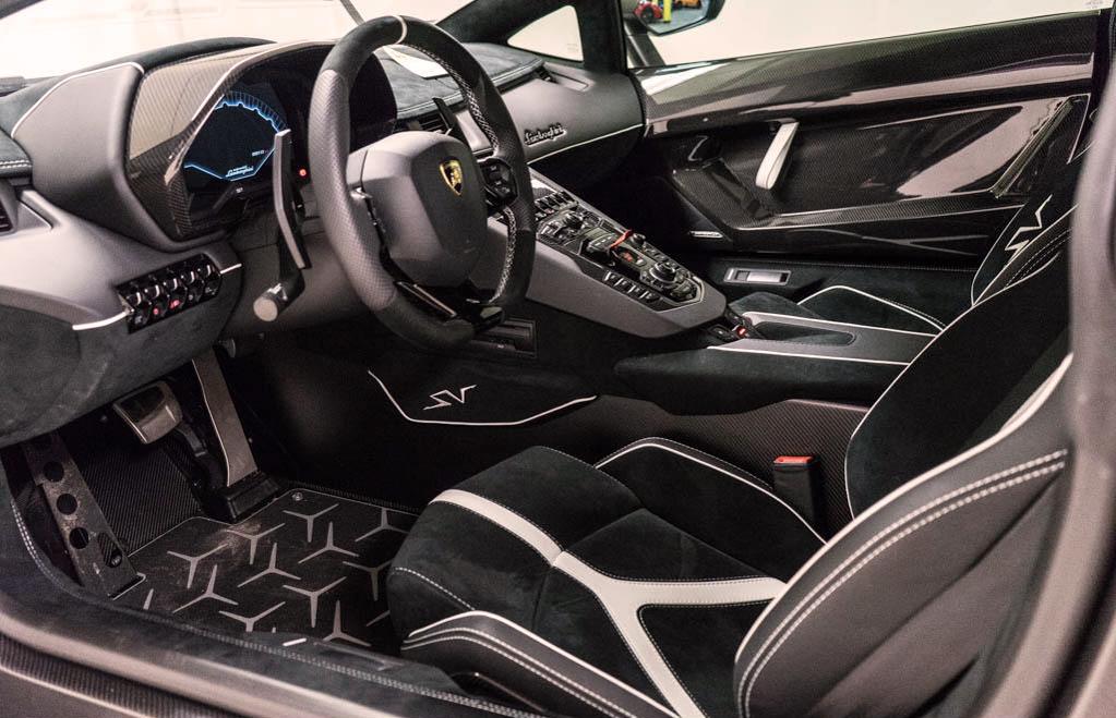Lamborghini_Aventador_SV_Viola_SE30_0013