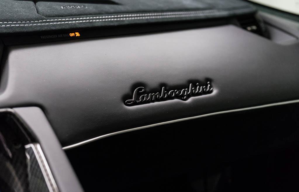 Lamborghini_Aventador_SV_Viola_SE30_0018