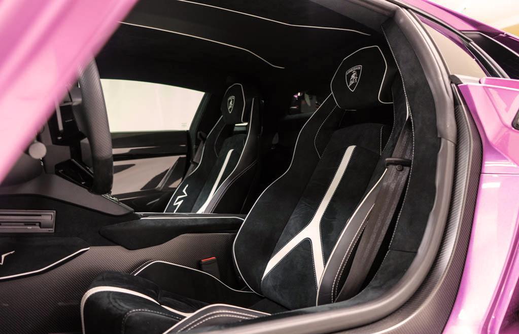 Lamborghini_Aventador_SV_Viola_SE30_0023