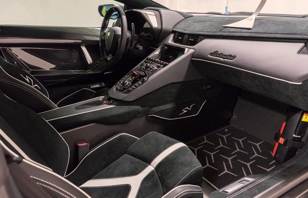 Lamborghini_Aventador_SV_Viola_SE30_0025