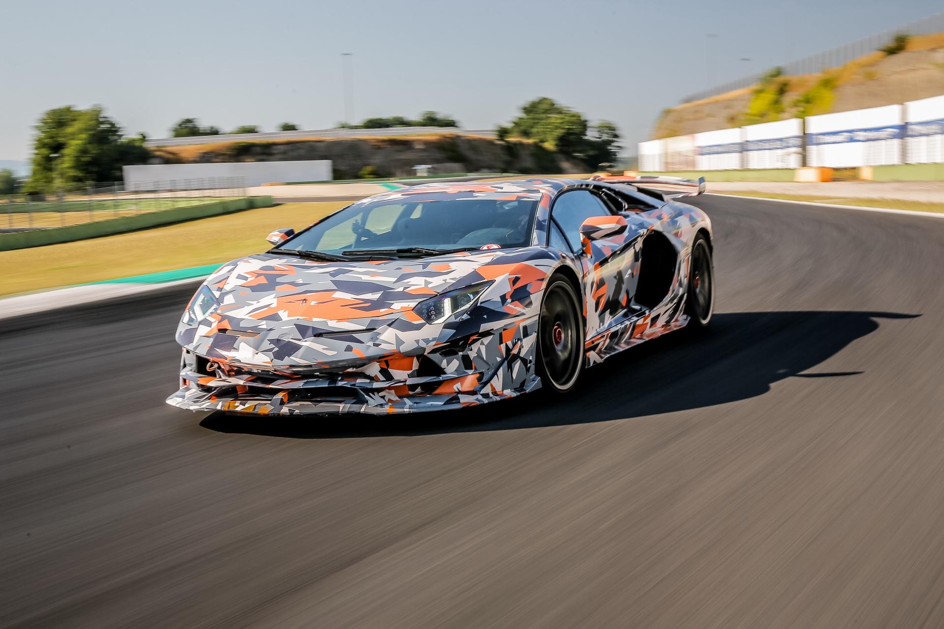 Lamborghini_Aventador_SVJ_0000