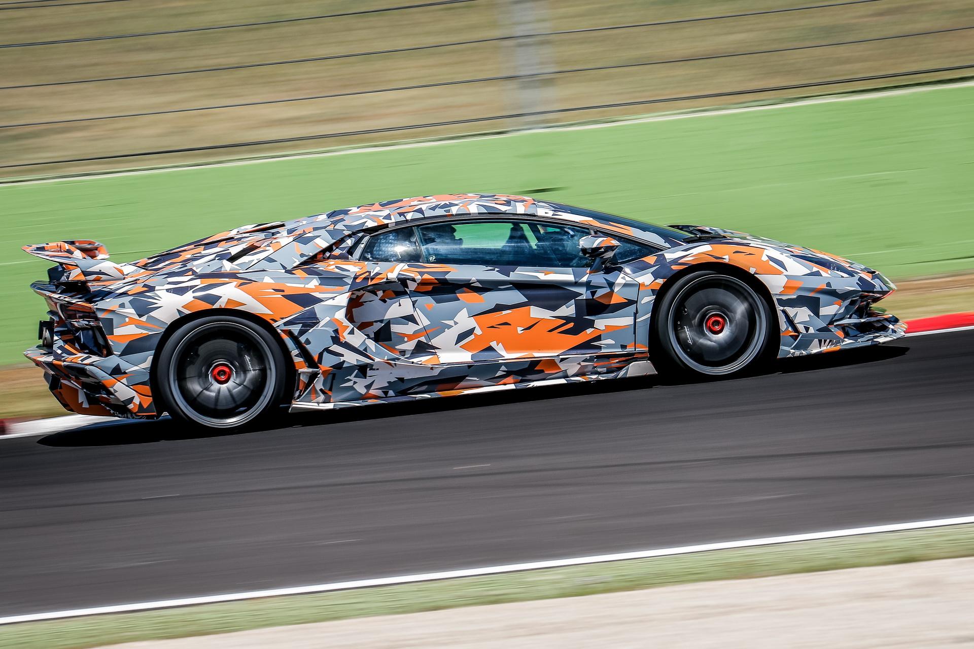 Lamborghini_Aventador_SVJ_0003