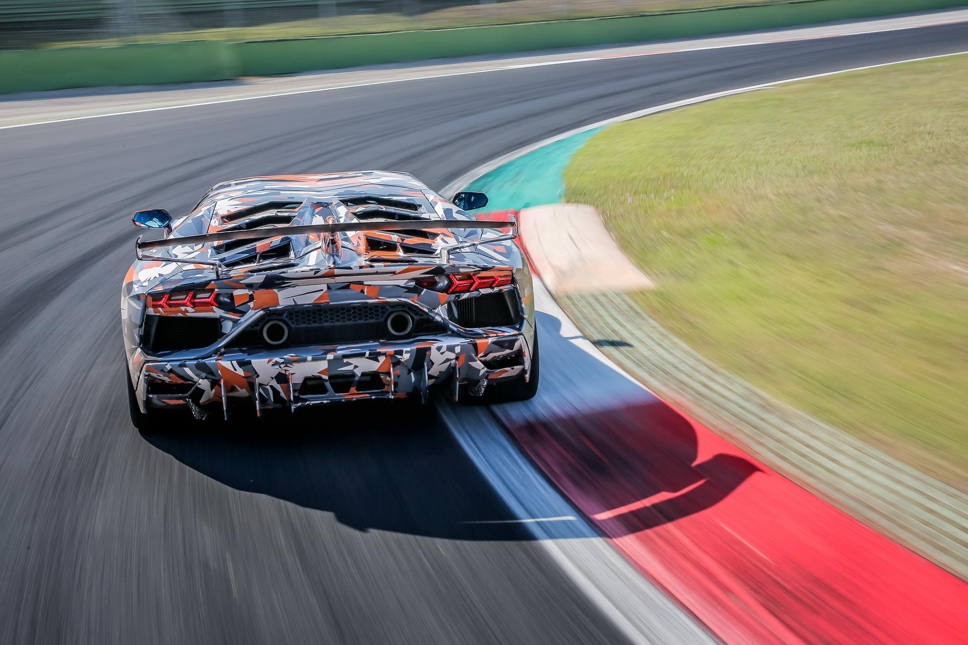 Lamborghini_Aventador_SVJ_0009