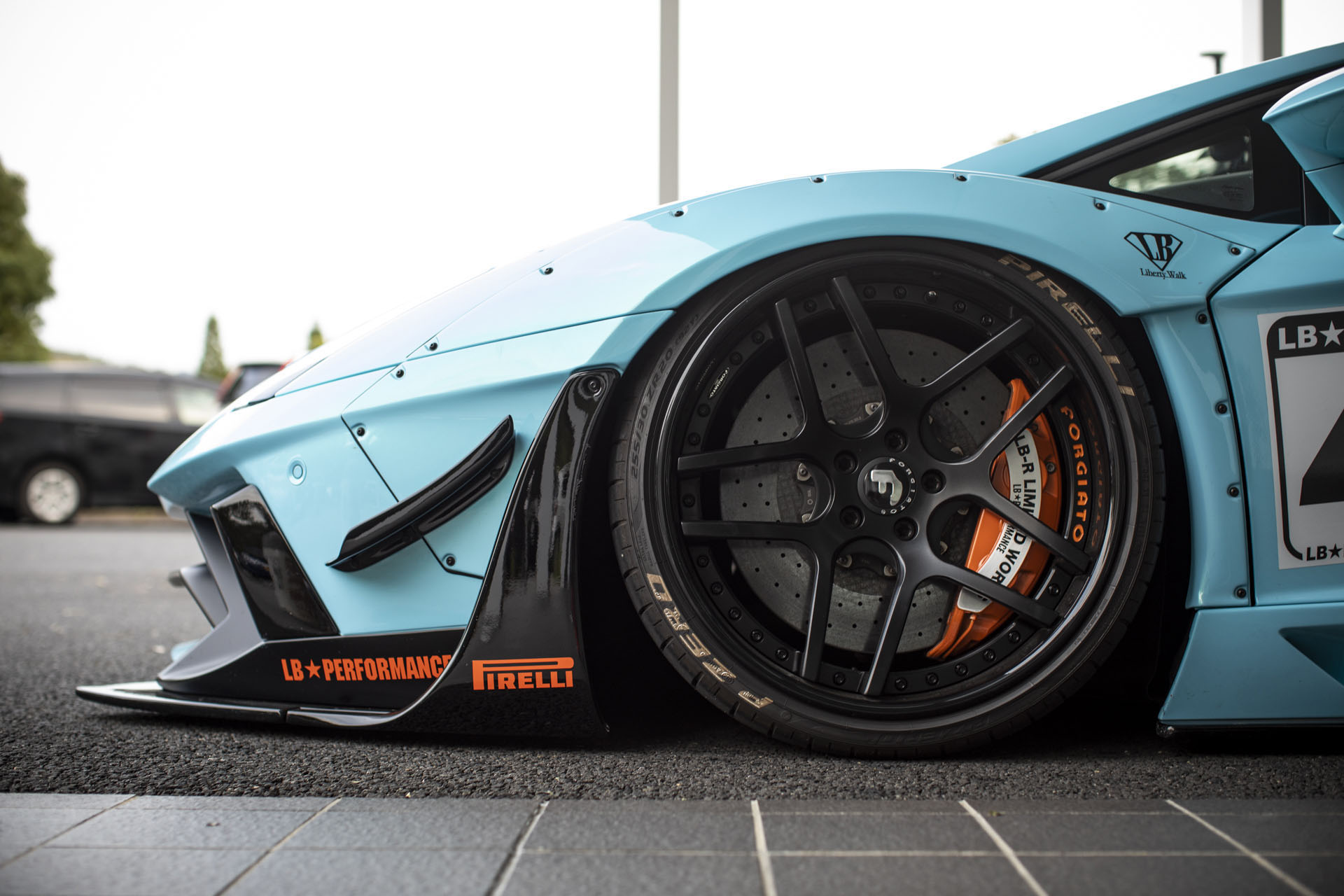 Lamborghini Aventador with Gulf Livery by Liberty Walk (8)