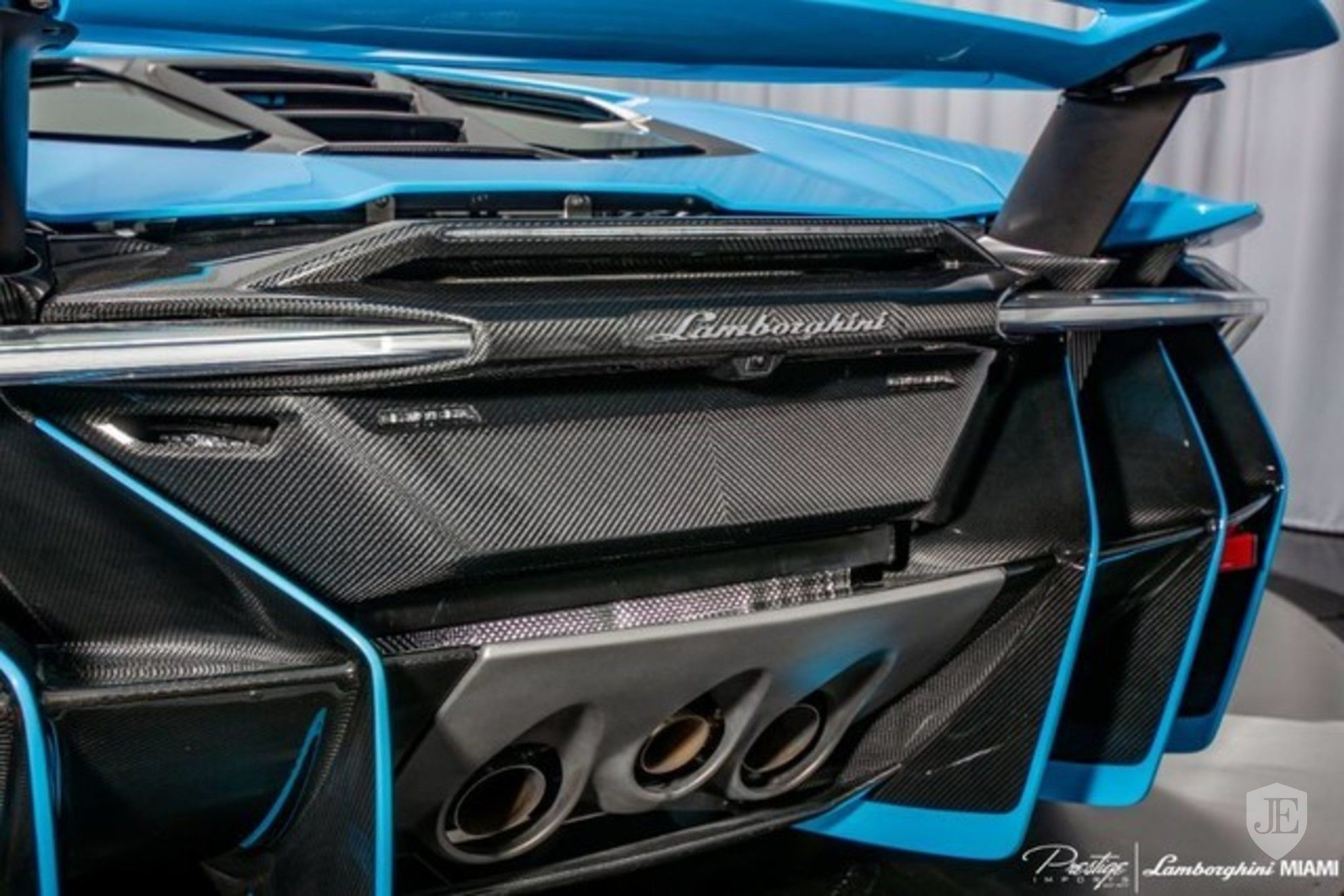 Lamborghini Centenario Coupe for sale (24)