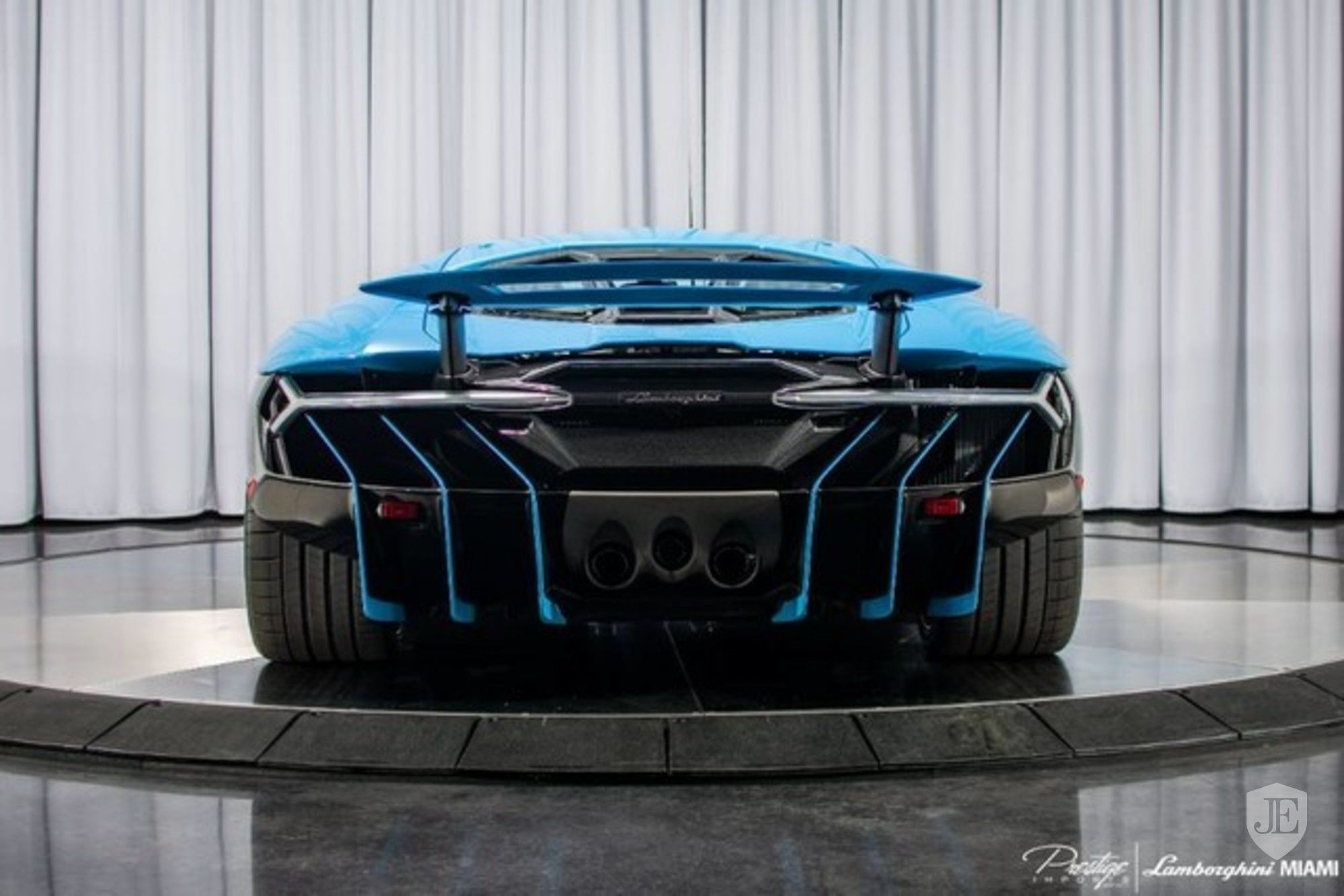 Lamborghini Centenario Coupe for sale (4)
