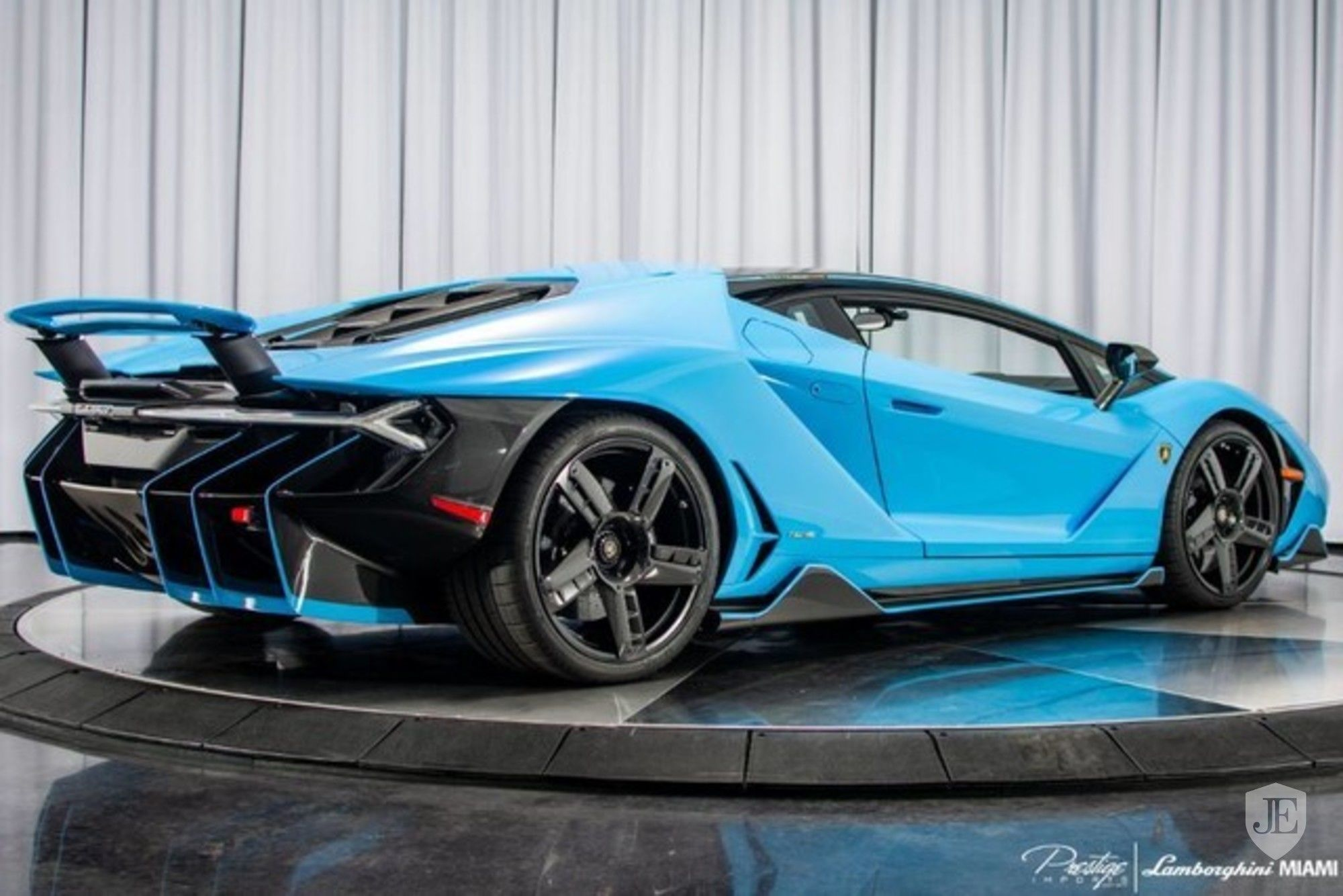 Lamborghini Centenario Coupe for sale (5)