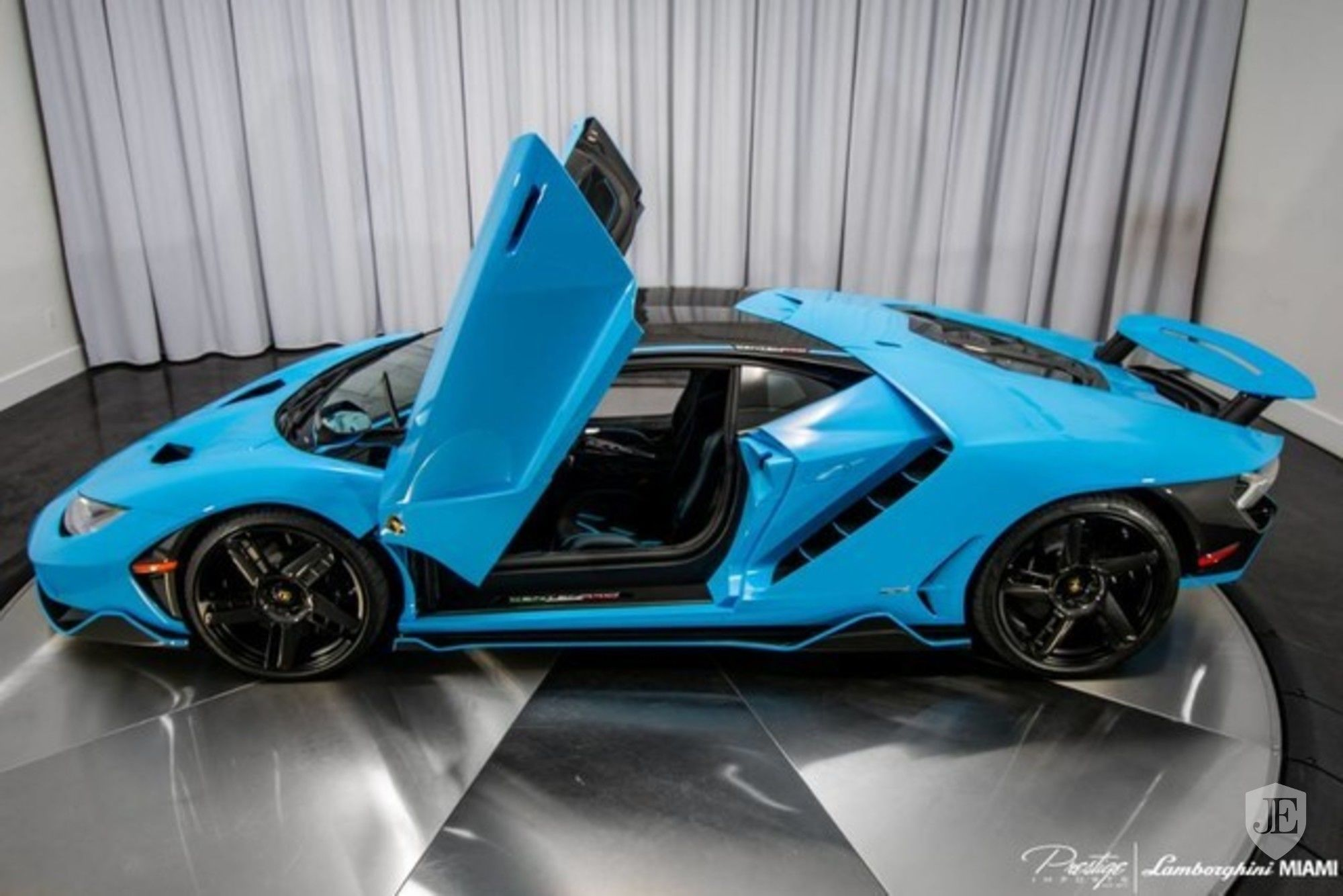 Lamborghini Centenario Coupe for sale (8)