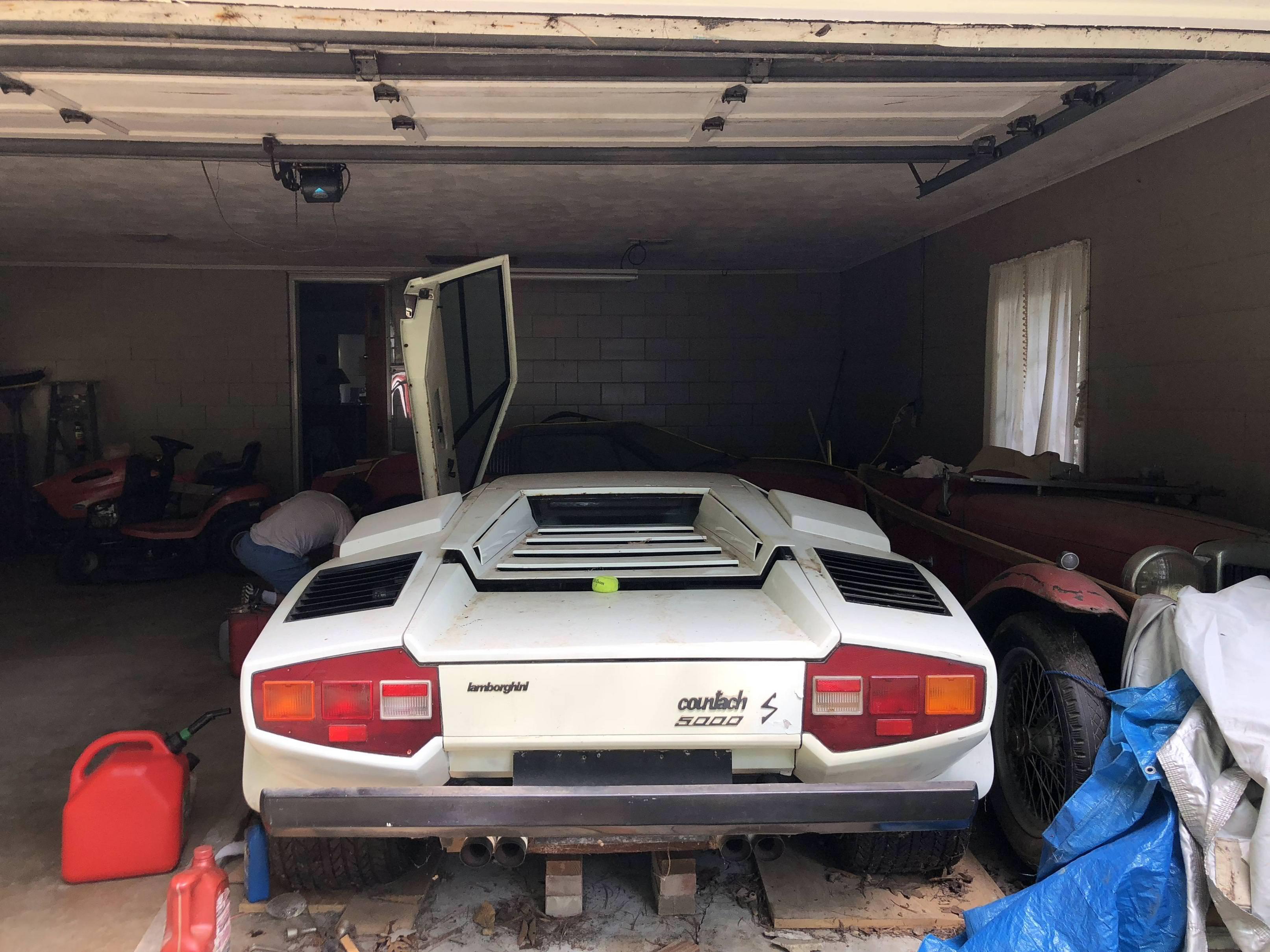Lamborghini Countach and Ferrari 308 barnfind 4