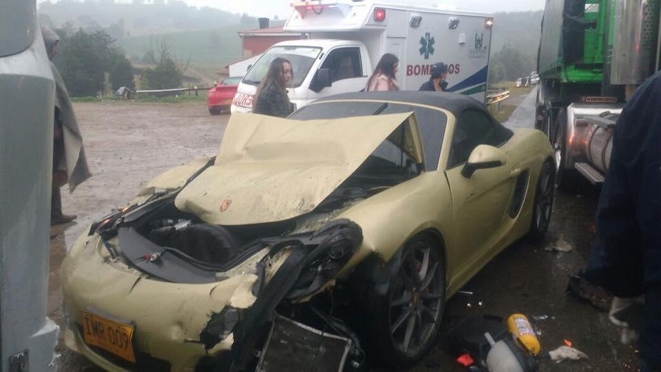 Lamborghini Gallardo Superleggera and McLaren 650S crash (10)
