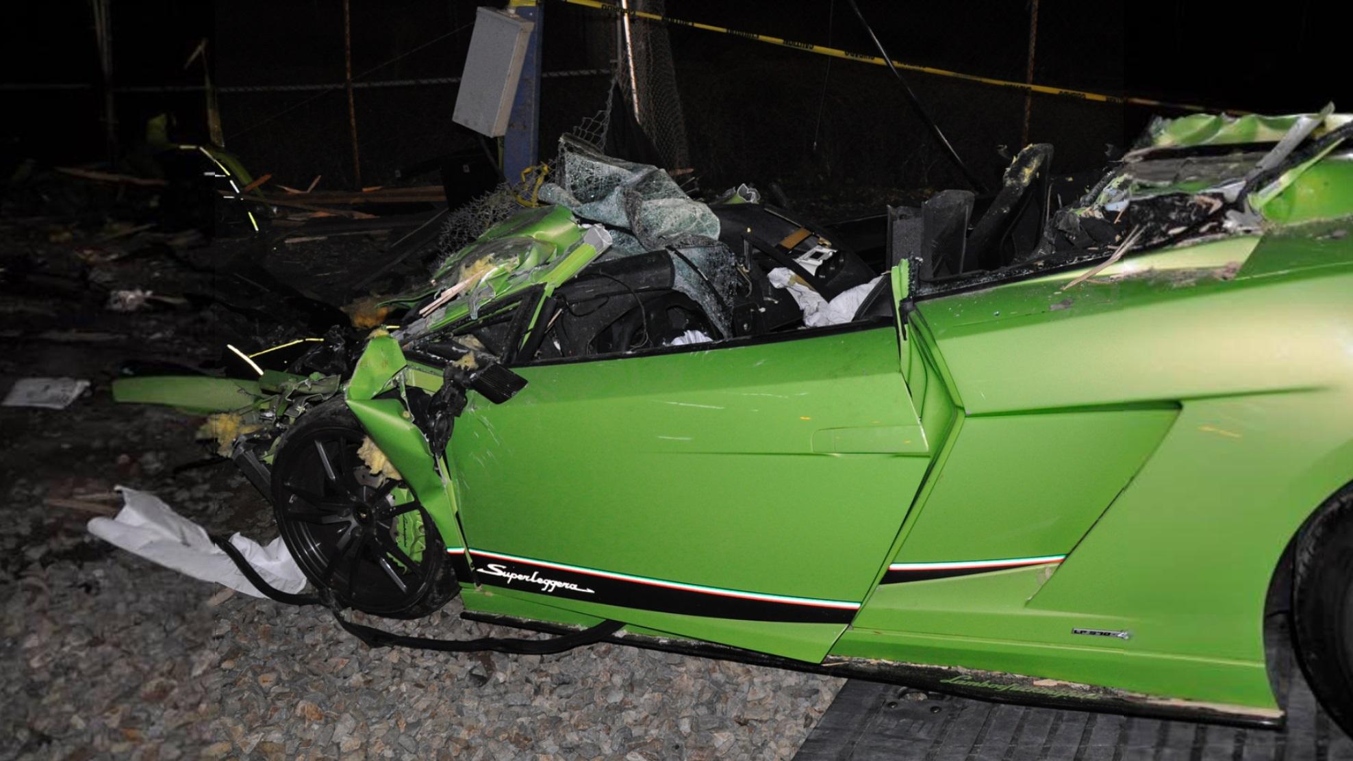 Lamborghini Gallardo Superleggera and McLaren 650S crash (13)