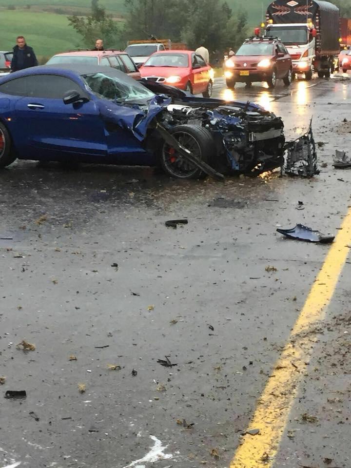 Lamborghini Gallardo Superleggera and McLaren 650S crash (6)