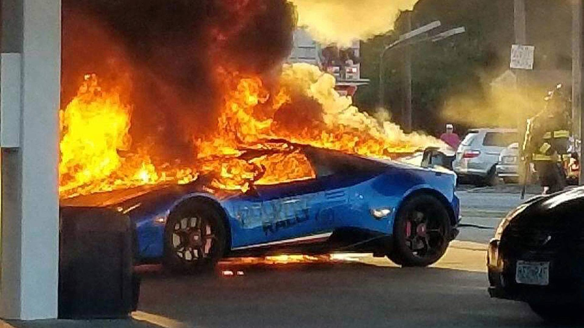 Lamborghini Huracan burned (1)