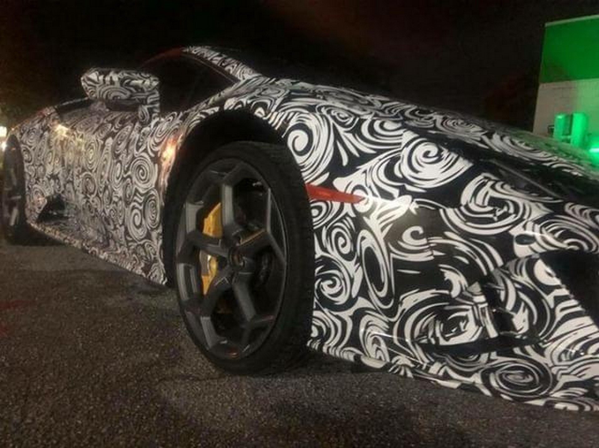 Lamborghini Huracan facelift spy photos (1)