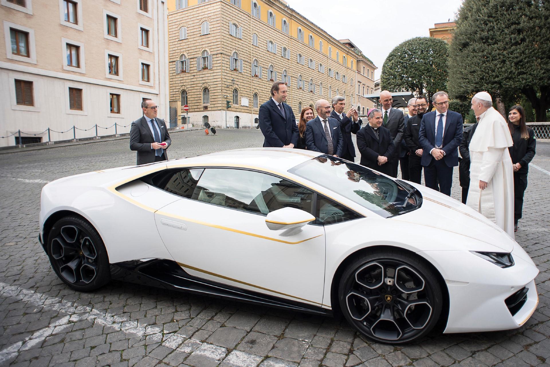 2018-Lamborghini-Huracan-RWD-Coupe_0