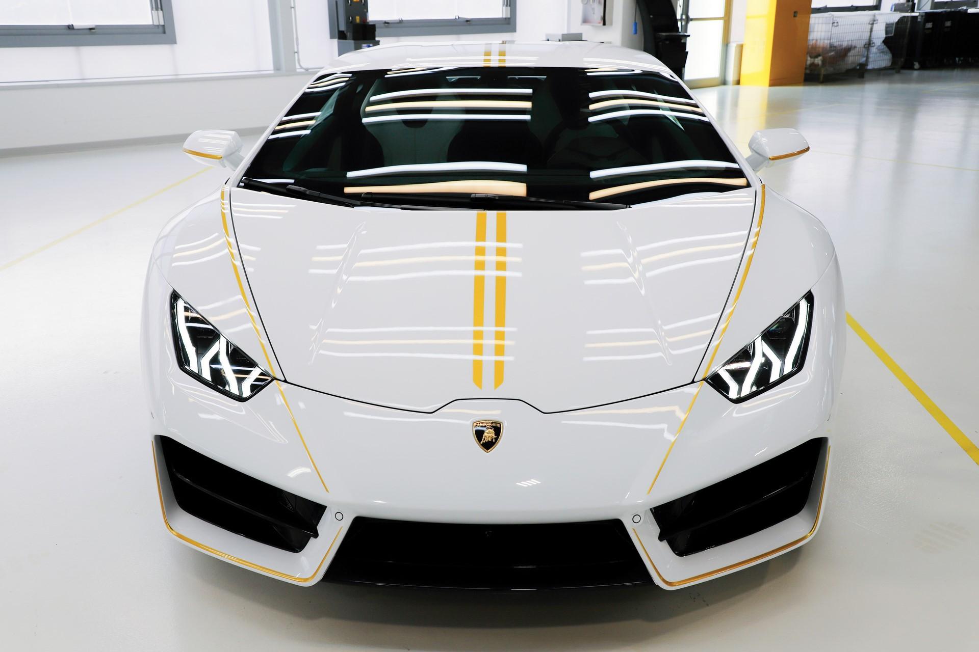 2018-Lamborghini-Huracan-RWD-Coupe_11