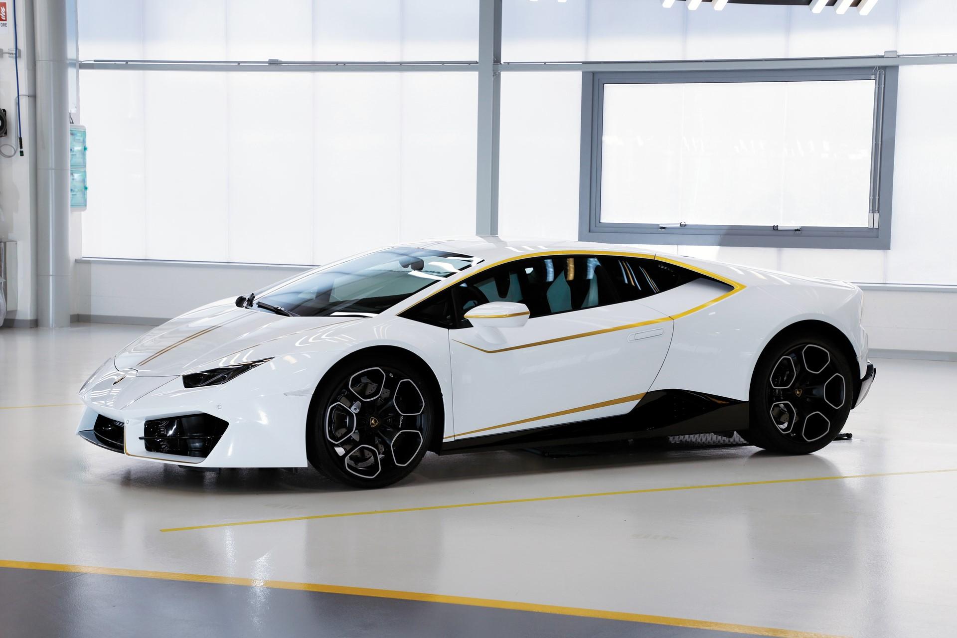 2018-Lamborghini-Huracan-RWD-Coupe_3