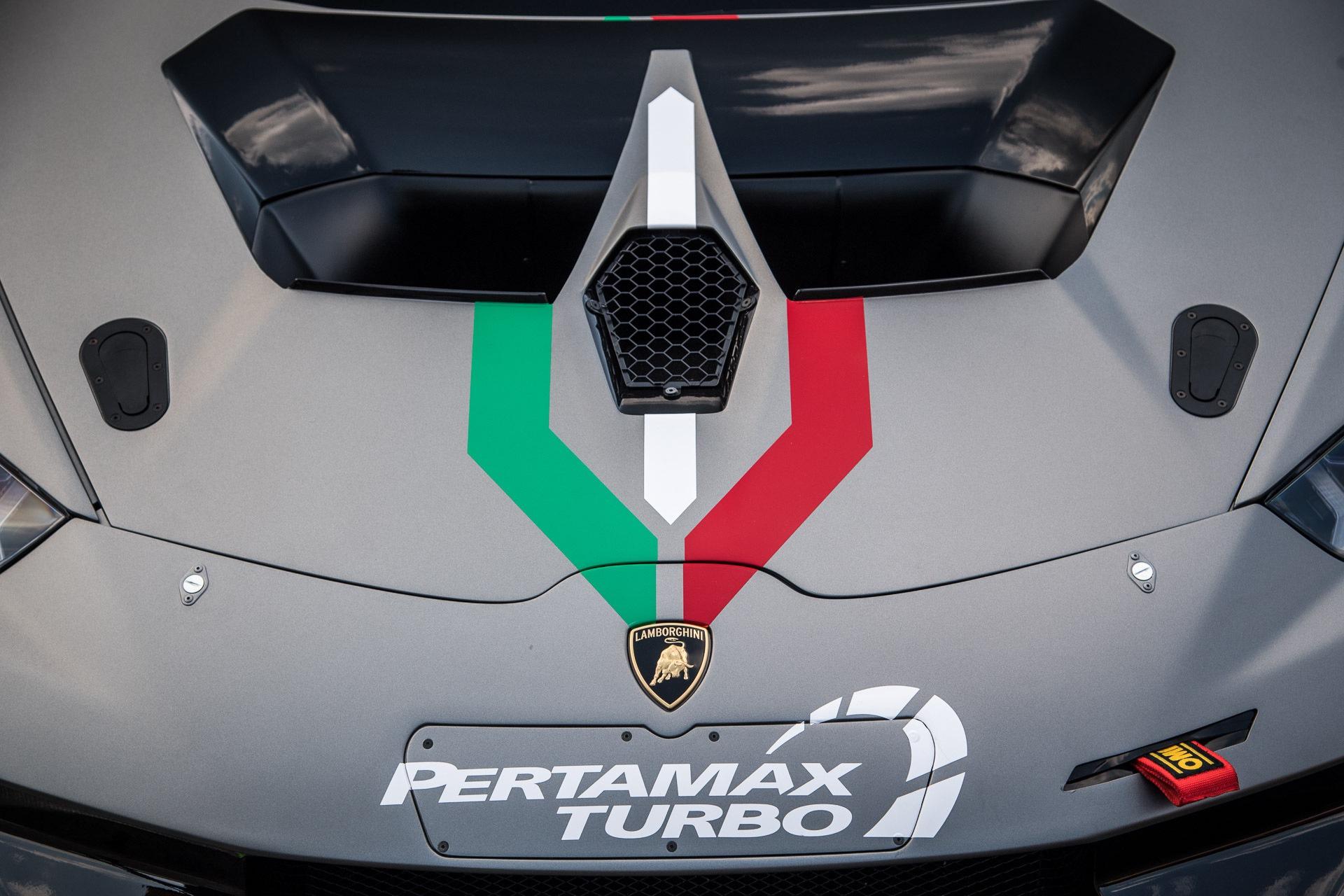 Lamborghini_Huracan_Super_Trofeo_Evo_10th_Edition_0003
