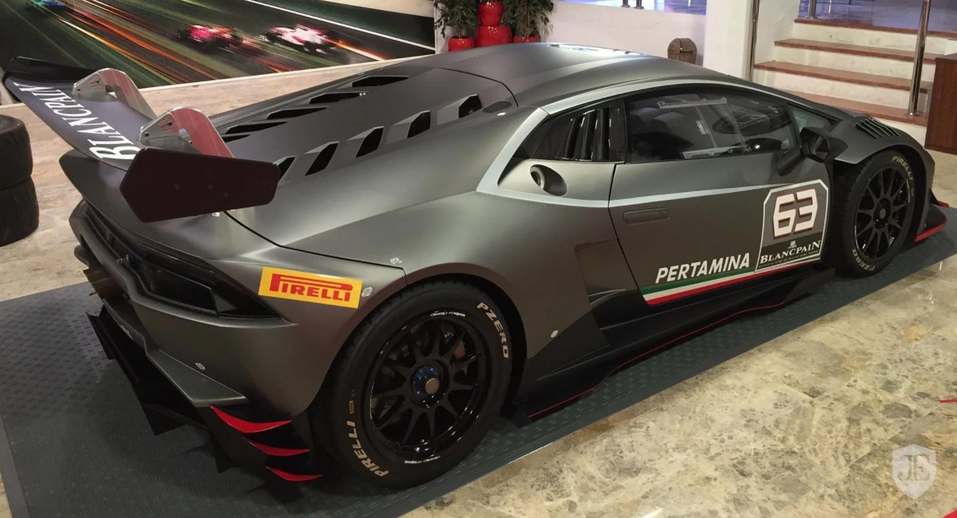 Lamborghini Huracan Super Trofeo for sale (3)