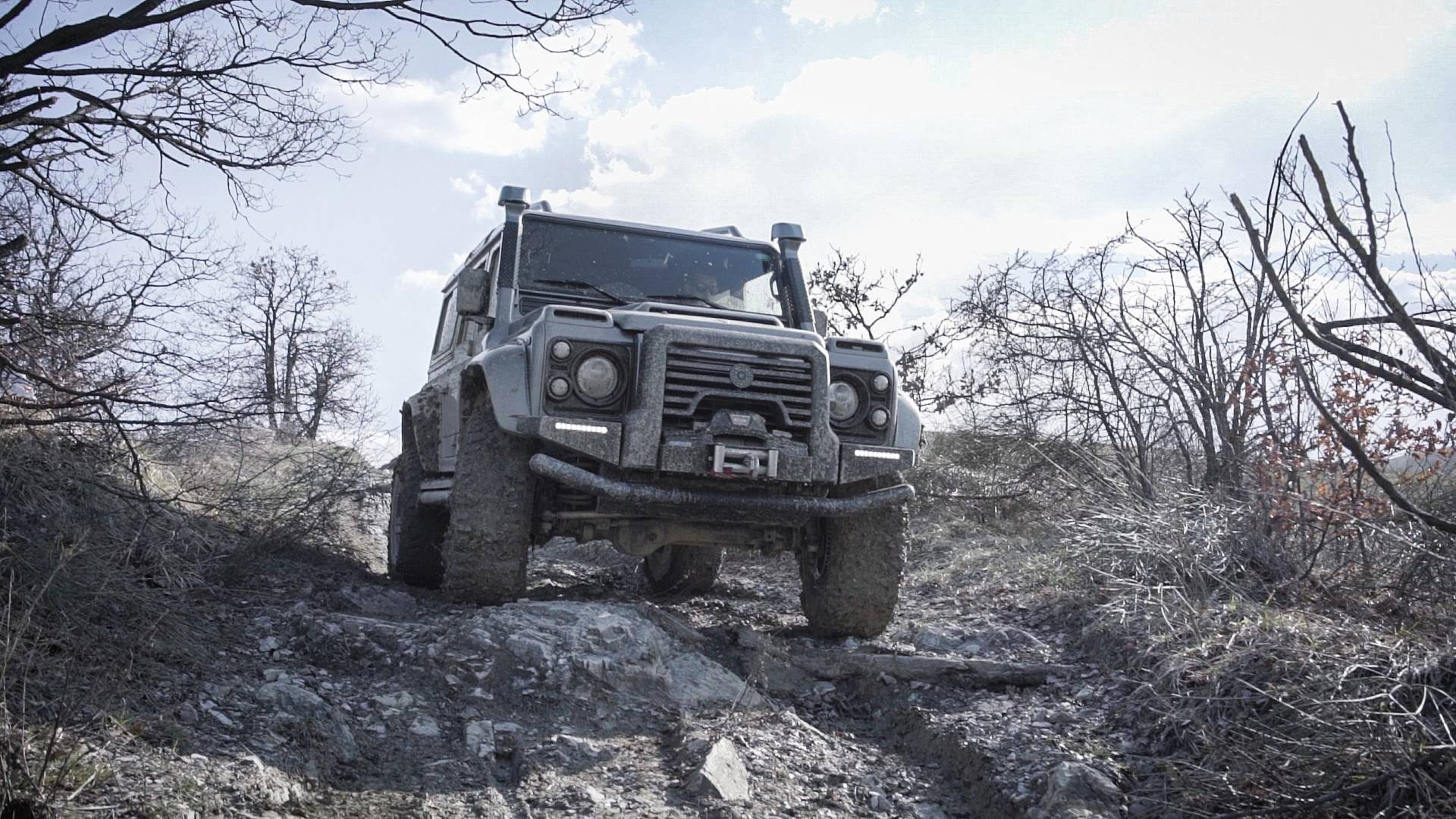 ares-design-for-land-rover-defender (7)