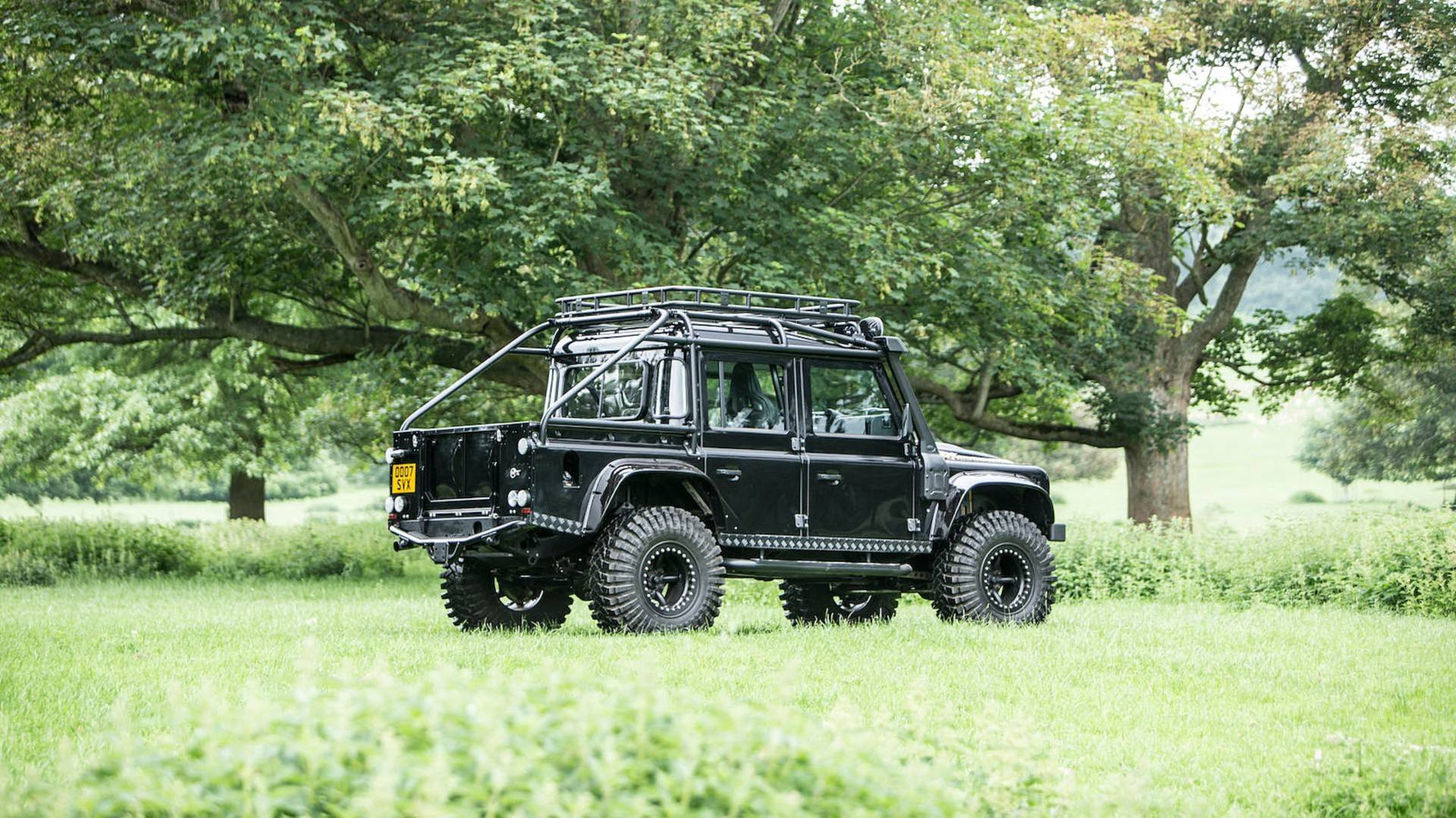 land-rover-defender-svx-from-james-bond-spectre-film (30)