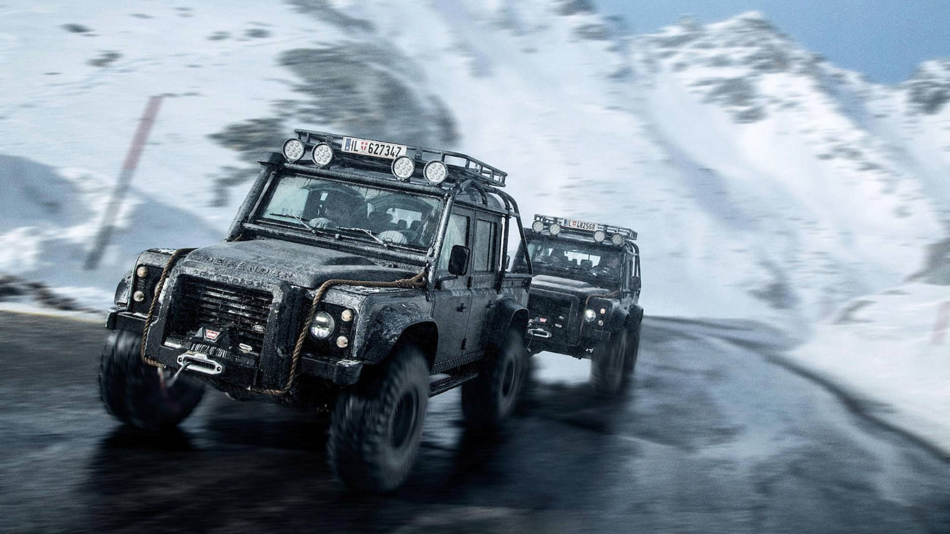 land-rover-defender-svx-from-james-bond-spectre-film