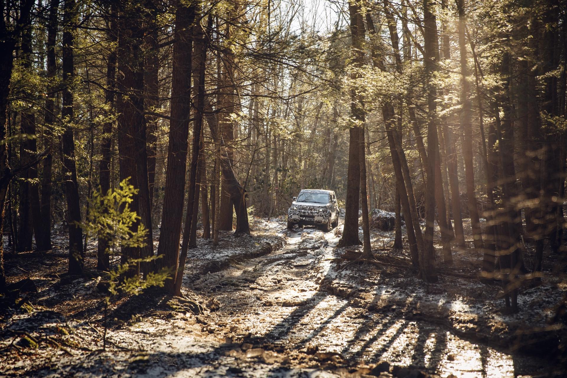 Land_Rover_Defender_tests_0006