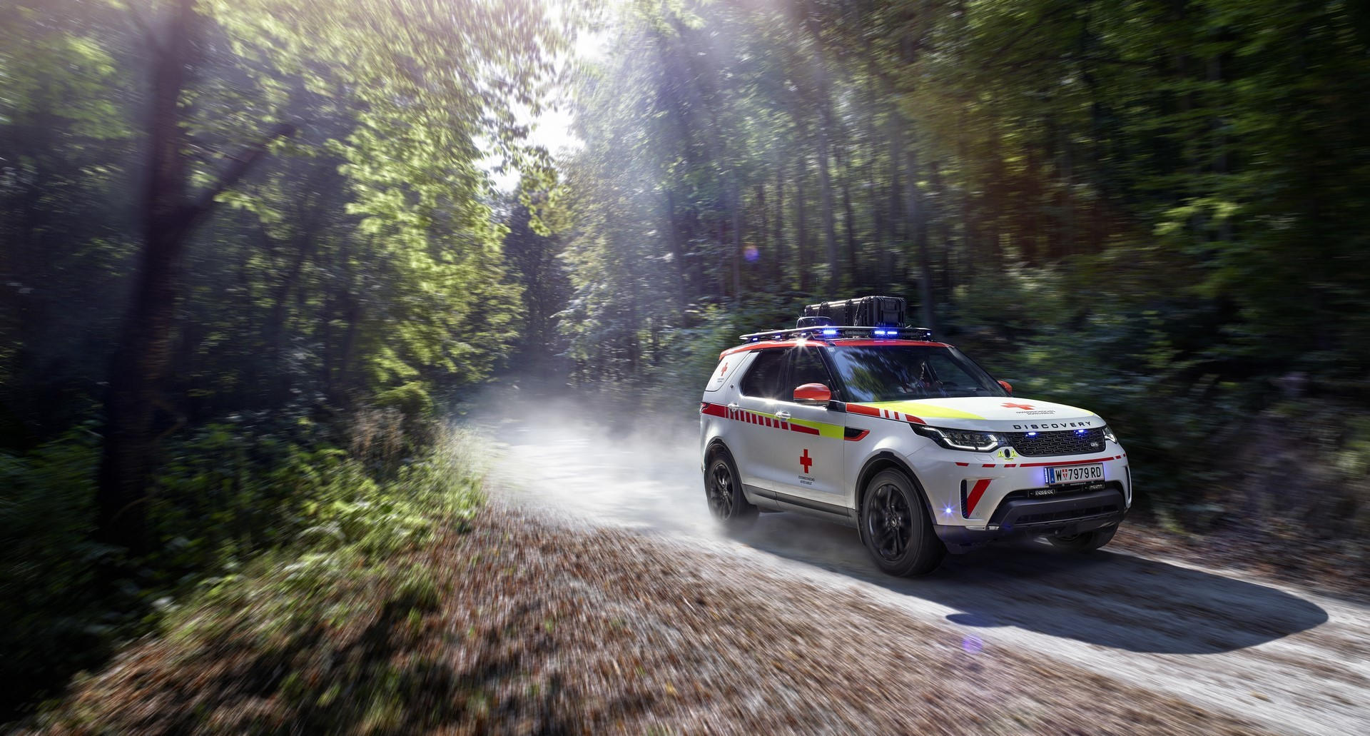 Land Rover Discovery Emergency Vehicle (1)