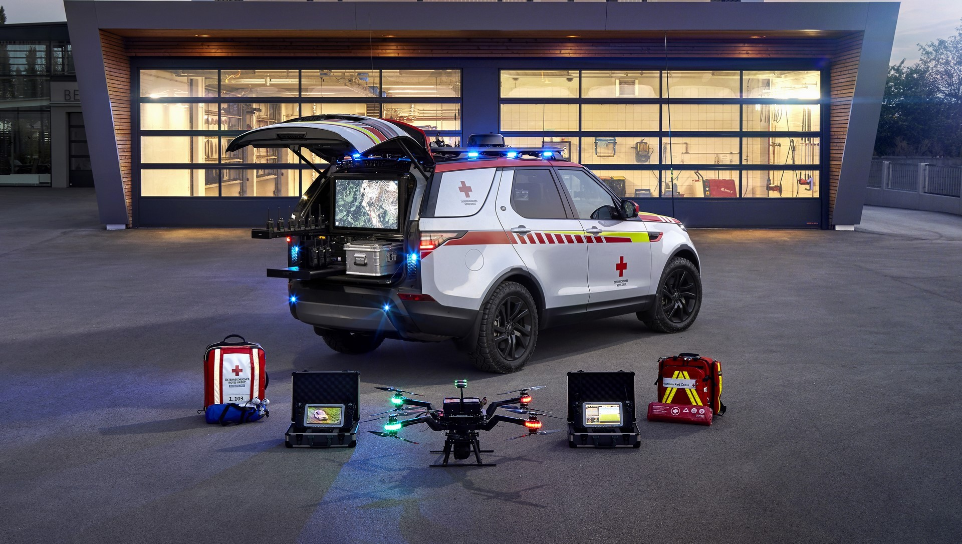 Land Rover Discovery Emergency Vehicle (12)