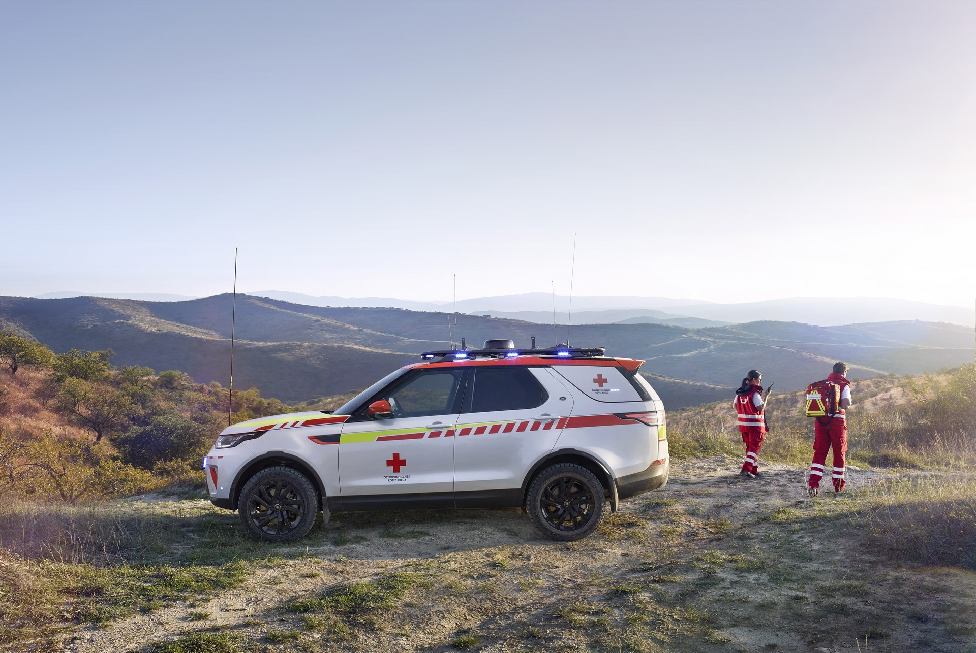 Land Rover Discovery Emergency Vehicle (15)