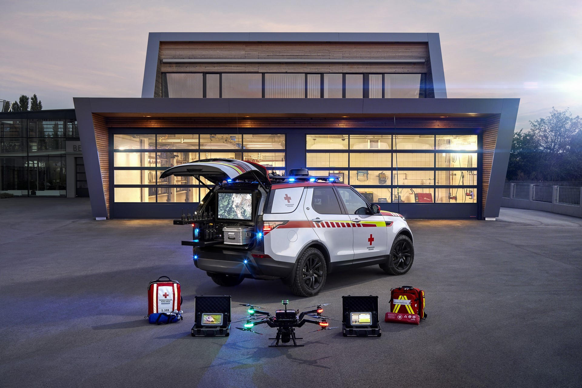 Land Rover Discovery Emergency Vehicle (17)