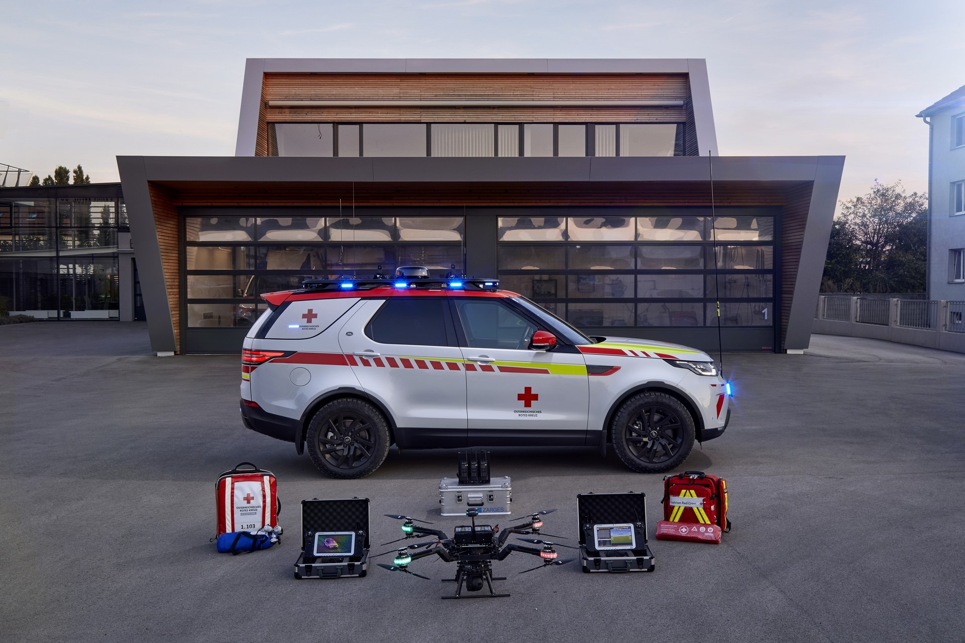 Land Rover Discovery Emergency Vehicle (19)