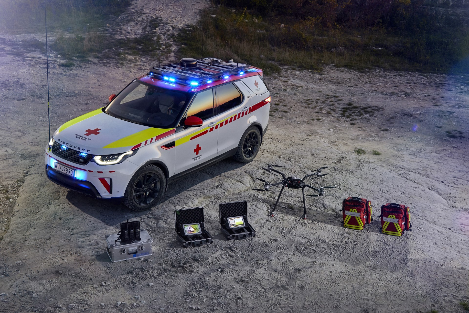 Land Rover Discovery Emergency Vehicle (21)