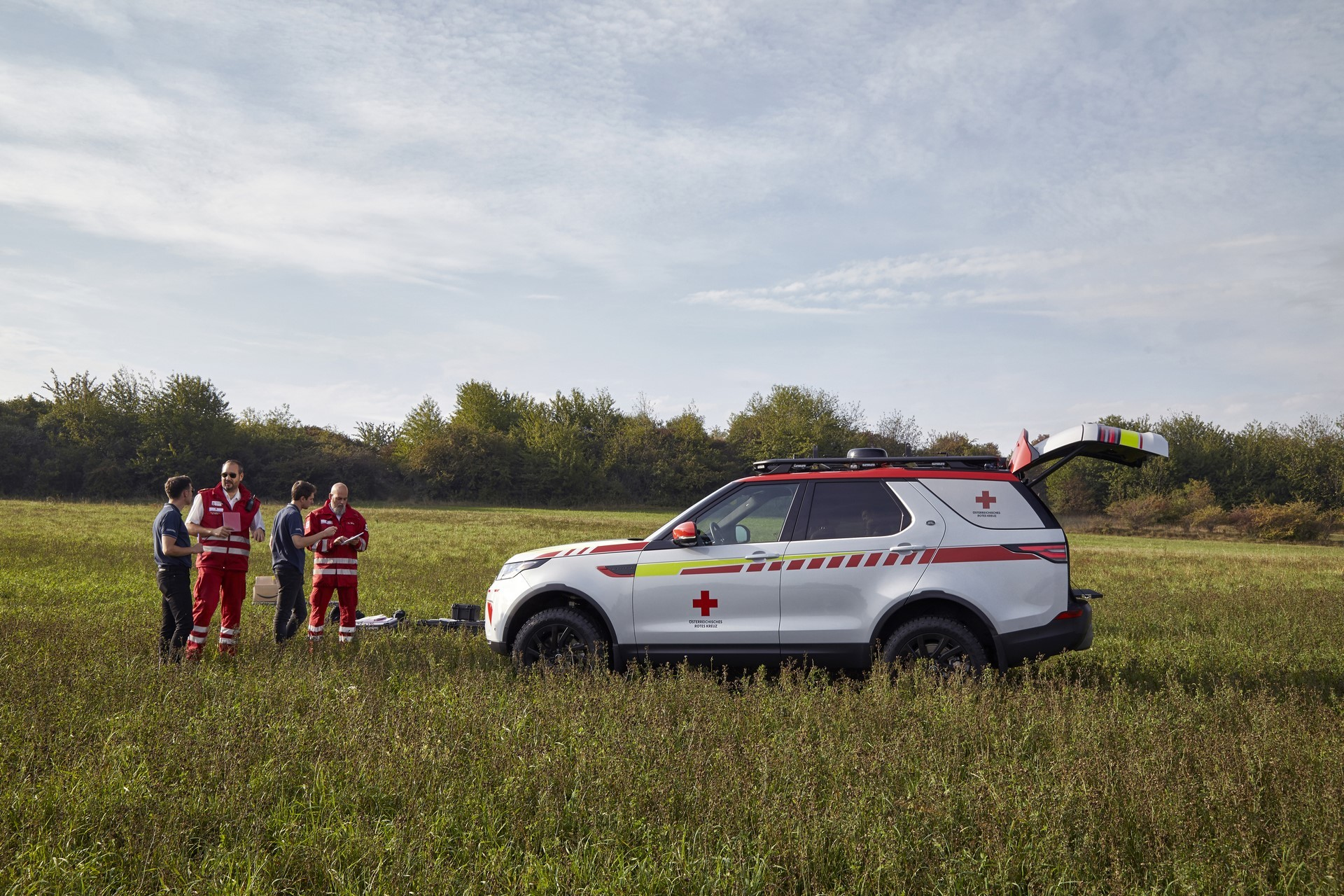 Land Rover Discovery Emergency Vehicle (27)