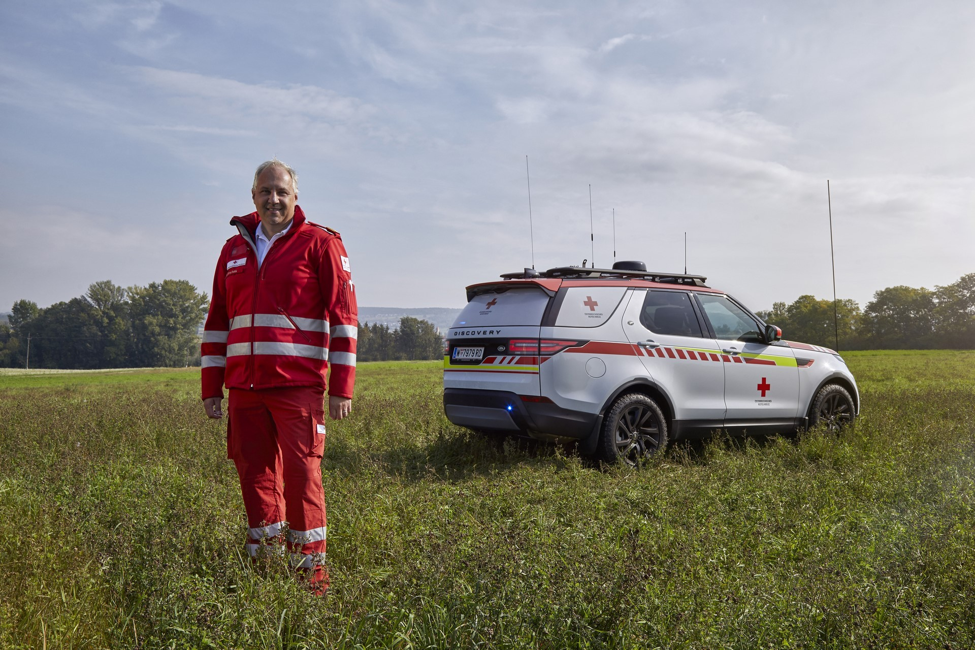 Land Rover Discovery Emergency Vehicle (33)