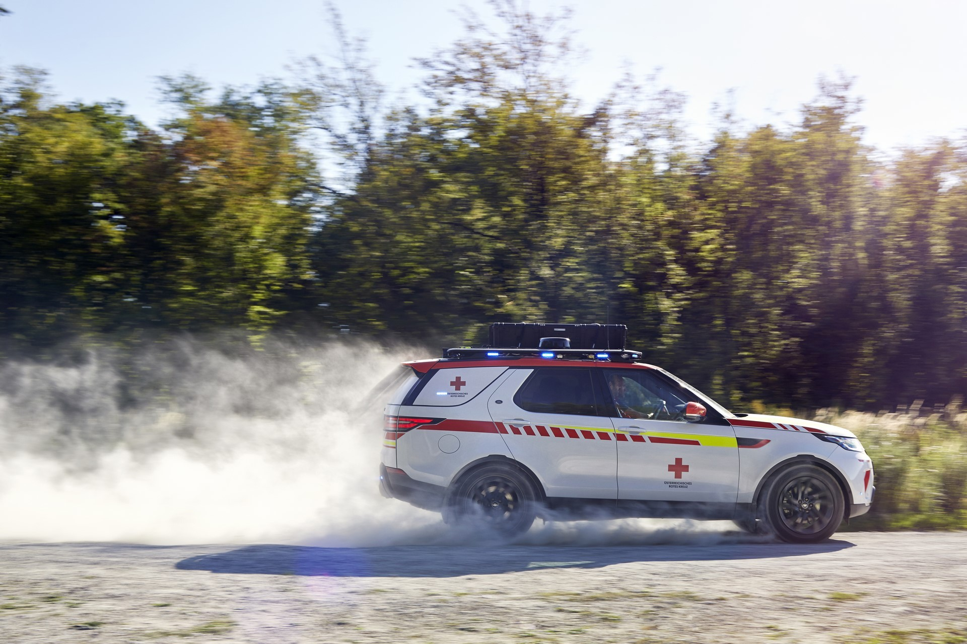 Land Rover Discovery Emergency Vehicle (4)