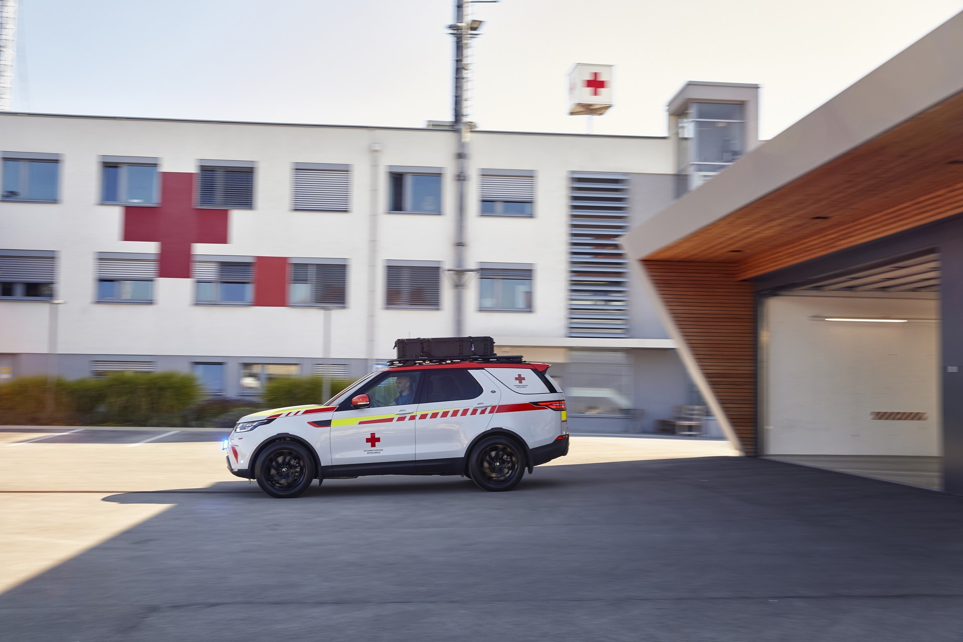 Land Rover Discovery Emergency Vehicle (45)