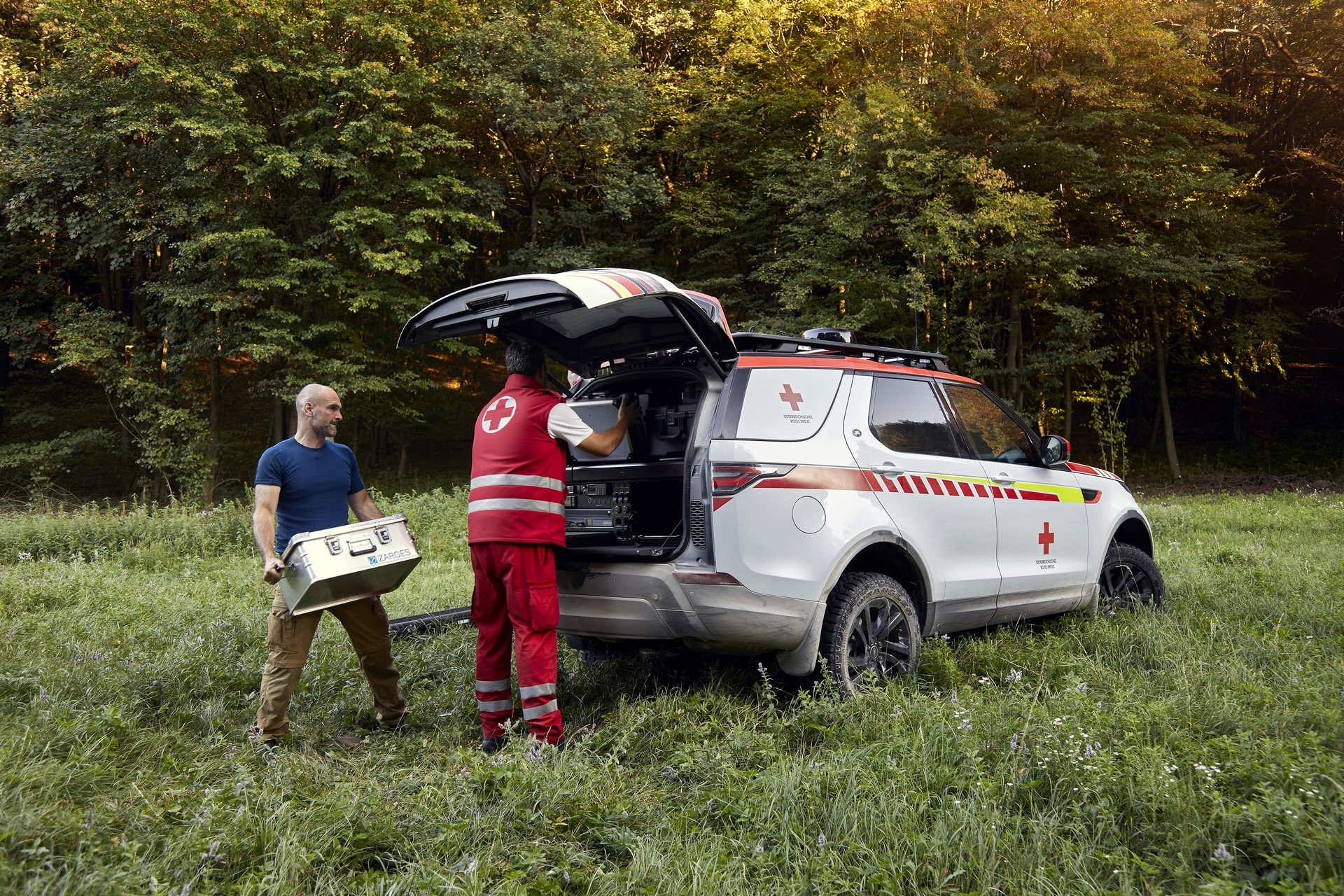 Land Rover Discovery Emergency Vehicle (48)