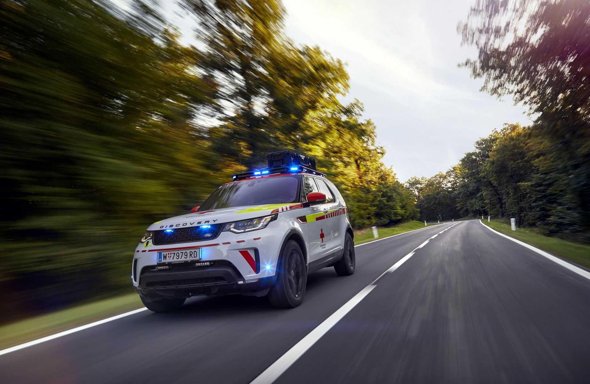 Land Rover Discovery Emergency Vehicle (7)