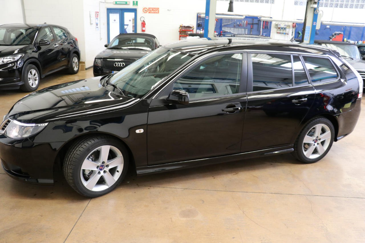 Last Saab 9-3 Wagon for sale (4)