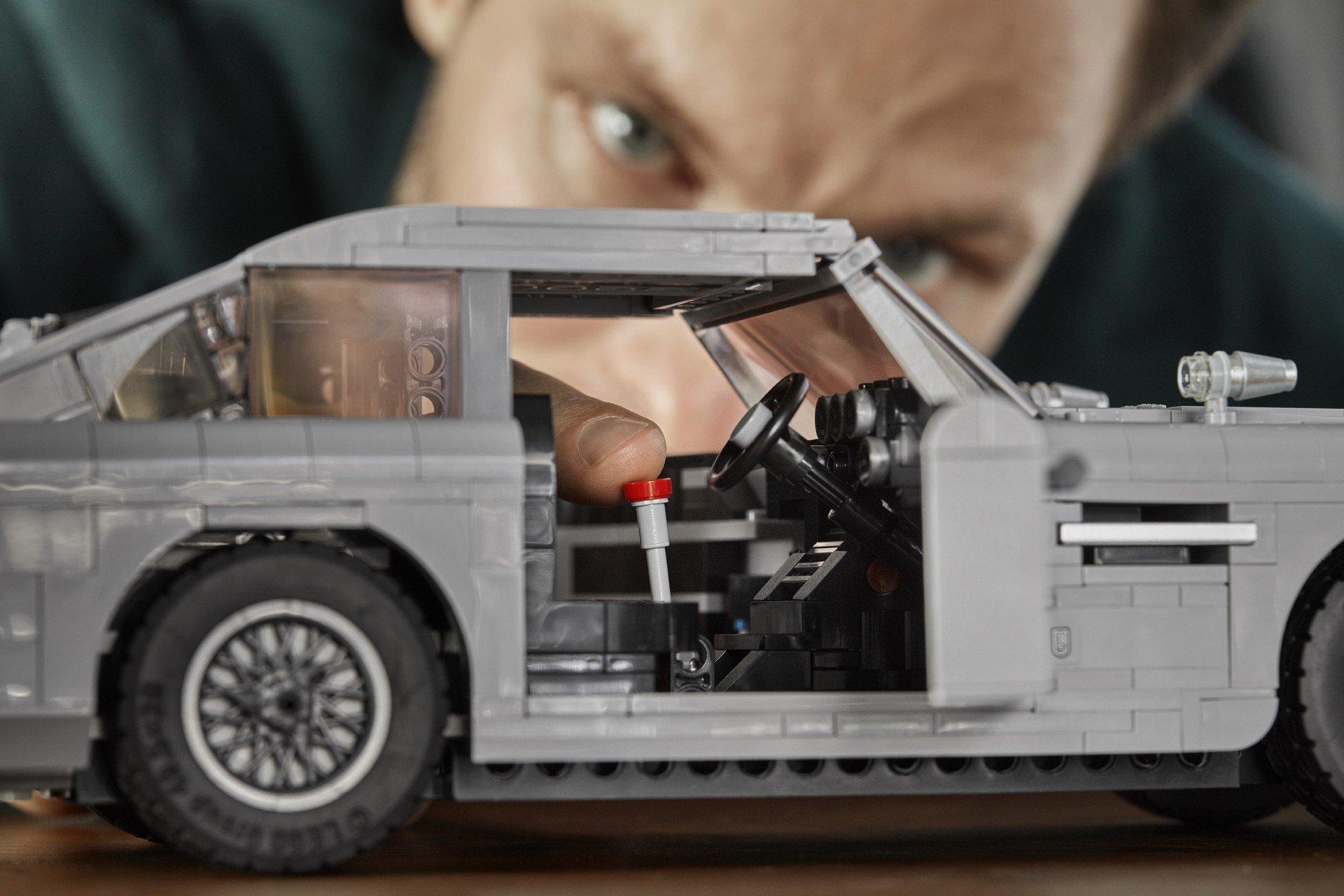 Lego Aston Martin DB5 (11)
