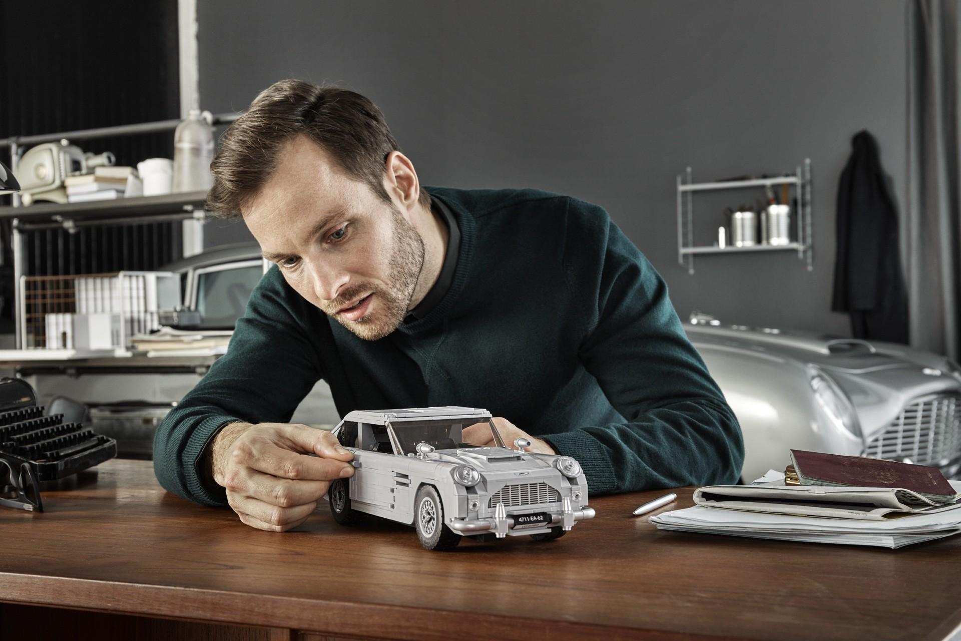 Lego Aston Martin DB5 (21)
